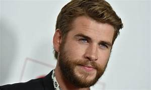 Liam Hemsworth Shows off Bulge After Stopping Miley Cyrus ...