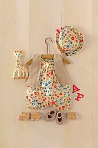 des vetements pour bebe en tricot et tissu liberty With déco chambre bébé pas cher avec faire envoyer des fleurs par internet