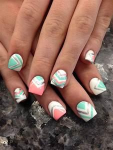 nail trend to try chevron nails pretty designs