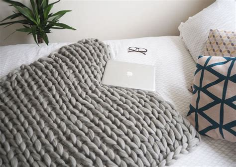 Easy Diy Chunky Throw Blankets • The Budget Decorator Can Mini Pigs In A Blanket Be Frozen Are Electric Blankets Safe When Pregnant Beach Bulk Winter Horse With Belly Band Newborn Temperature Biddeford Heating Replacement Parts Babylon Notting Hill Parking Baby Uk