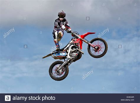 freestyle motocross a member of the bolddog lings freestyle motocross display