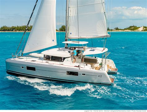Catamaran Lagoon 42 lagoon catamaran vente location construction de