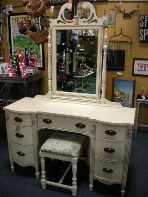 duncan phyfe vanity painted antique white  brown glaze