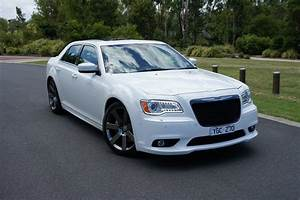 Chrysler 300 Srt8 : chrysler 300 srt8 review caradvice ~ Medecine-chirurgie-esthetiques.com Avis de Voitures