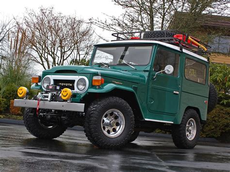 toyota 2 door suv 1975 toyota land cruiser fj 40 2 door suv 157971