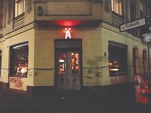 Bar Mit Tanzfläche Berlin : die 17 besten bars in berlin hostelworld ~ Markanthonyermac.com Haus und Dekorationen