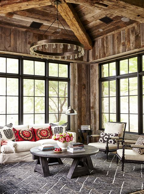 Inside this Issue: Elegant Homes | Traditional Home