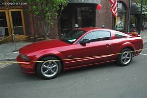 2005 Ford Mustang - conceptcarz.com