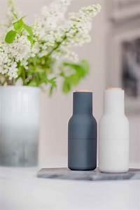 Was Ist Ein Grinder : das m hlenset bottle grinder von menu sieht aus wie eine modere skulptur ist ein stilsicherer ~ A.2002-acura-tl-radio.info Haus und Dekorationen