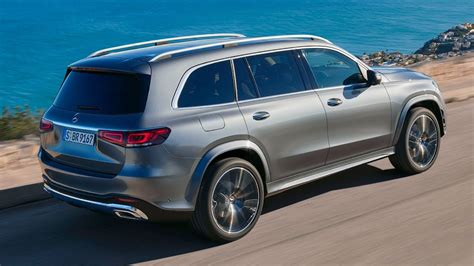 The vehicle has v8 3,982 ccm, 360 kw (489 ps) engine. New Mercedes GLS 580 4matic x167 AMG Line - Grand, Luxurious, Stylish - YouTube