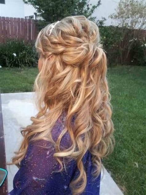 love this half up half down loose curls some kind of