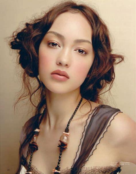 Jessica Cambensy Model
