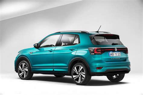 Jis daro įspūdį tiek savo ryškiu ir dinamišku dizainu, tiek savo lankstumu. Volkswagen T-Cross: prezzo e caratteristiche della suv ...