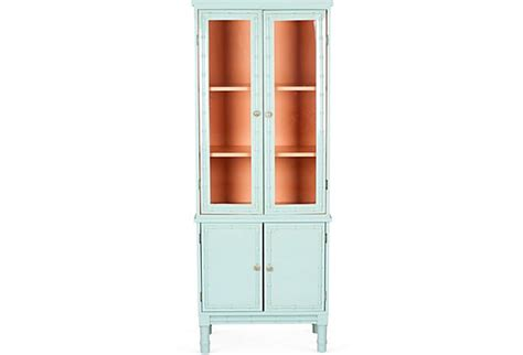 how to antique kitchen cabinets 1000 ideas about painted curio cabinets on 7194
