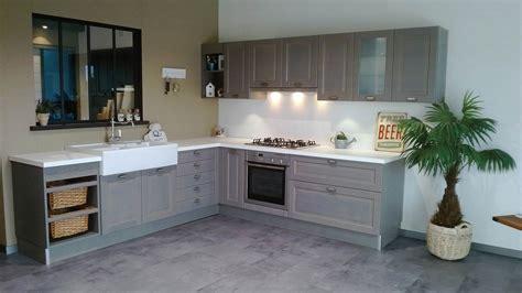 cuisine armoires blanches ophrey com cuisine blanche vintage prélèvement d 39 échantillons et une bonne idée de concevoir