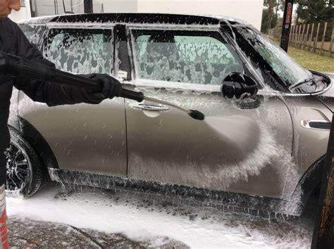 nettoyer un canapé en tissus lavage carrosserie de votre voiture à pessac clean autos 33
