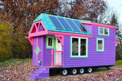 Small Homes : 9 Brightly Colored Tiny Houses