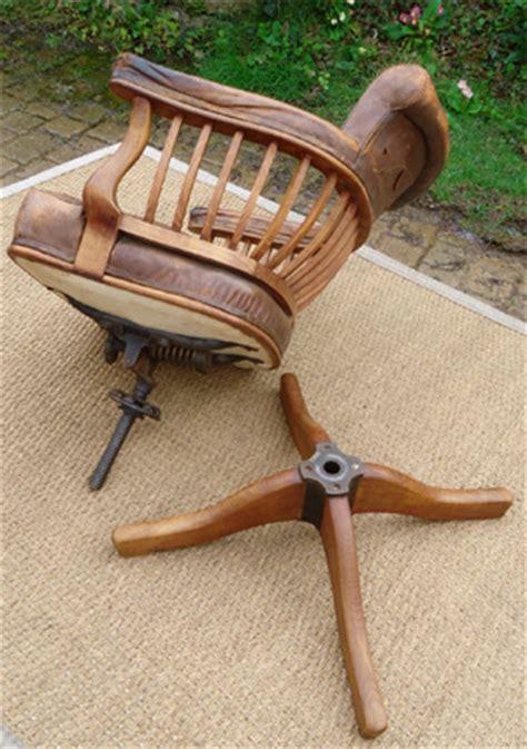 fauteuil de bureau ancien fauteuil de bureau ancien pivotant bois assise ety dossier