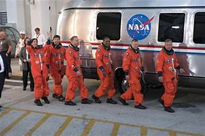 Strap in Space Shuttle Crew - Pics about space