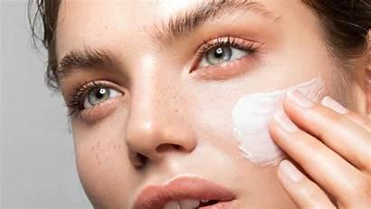Face Lotion Moisturizer Use Applying Allure