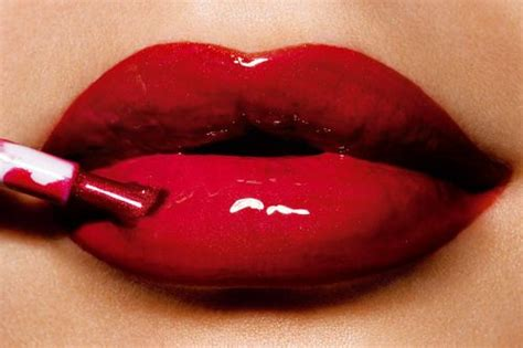 perfekte make up farbe finden rougeee foto lippen lippenstift und