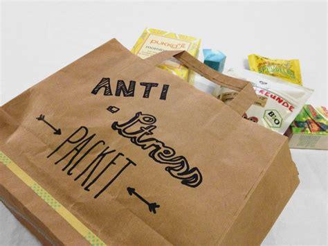 kleine geschenke für freunde kleines anti stress paket als geschenk f 252 r freunde geschenkideen niedliche geschenke anti