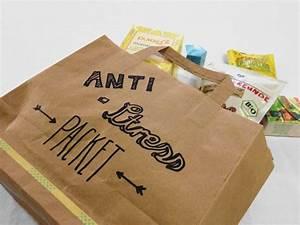 Kleines Geschenk Für Freund : kleines anti stress paket als geschenk f r freunde geschenkideen geschenke geschenk f r ~ Watch28wear.com Haus und Dekorationen