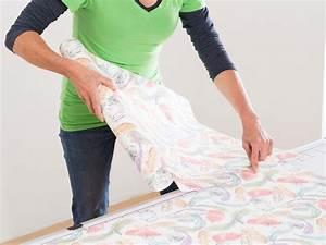 Vliestapete Auf Raufaser : wie tapeziert man eine decke beautiful with wie tapeziert man eine decke finest wie tapeziere ~ Avissmed.com Haus und Dekorationen