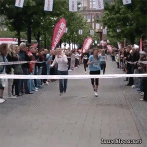happen   run