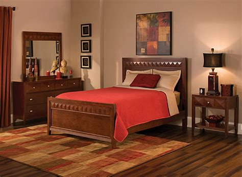 raymour and flanigan shadow dresser shadow 4 pc bedroom set cherry raymour flanigan