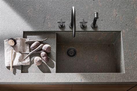 lavello sottotop vvd cucina con isola di design piano in pietra cucine