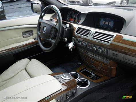 Bmw 750i Interior by 2006 Bmw 7 Series Information And Photos Momentcar
