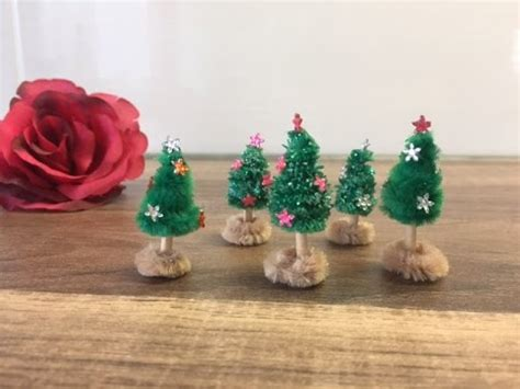 basteln weihnachten mit kindern diy mini tannenbaum basteln weihnachtsbaum mit kindern herstellen weihnachten
