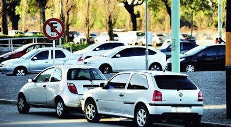 seis normas de estacionamiento  seguramente  conocias
