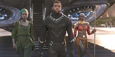 'Black Panther' Scene Shows Female Characters Fighting ...