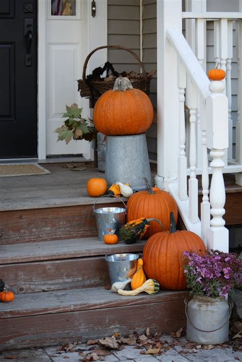 Outside Decoration Ideas - 5 easy fall decorating ideas for your home muddle up