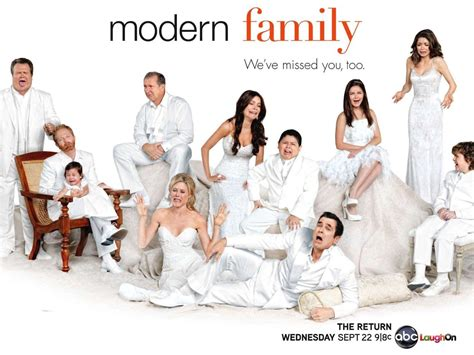 shows like modern family modern family wallpaper and background 1600x1200 id 347621