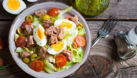 14 kārdinošas tunča salātu receptes - gan brīvdienu ...