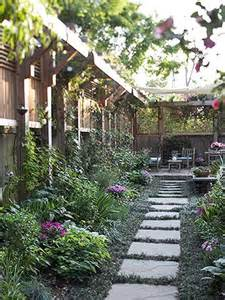 Amenagement Petit Jardin 40m2 by Top Tips Make Your Garden More Private