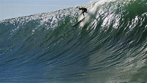 Mavericks big wave surf contest called off for Tuesday