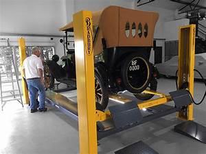 Bradbury H4443 Wheel Free Four Post Service Lift  4 0 Tonne