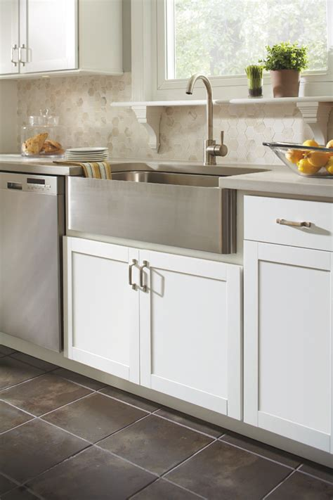 kitchen country sinks country sink base cabinet aristokraft cabinetry 1027