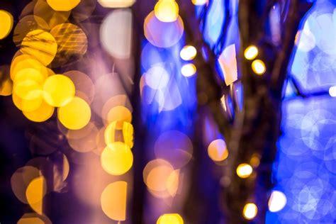 predictions uncertain holiday shopping season