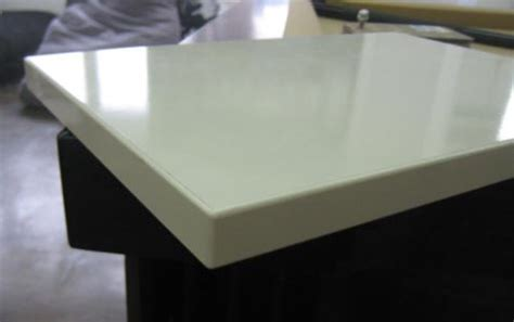 choisir parmi les finitions blanches pour un meuble sur mesure