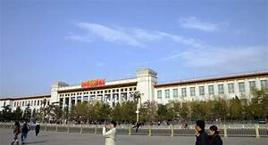 China Debuts World's Largest Museum on Tiananmen Square ...