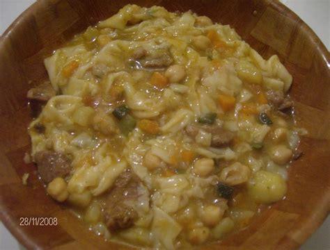 cuisine kabyle thichoufthin crêpes kabyles en sauce cuisine en partage