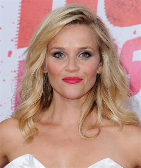 Reese Witherspoon Long Wavy Casual Hairstyle   Light