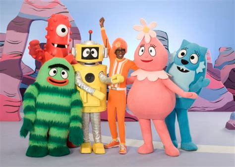Yo gabba gabba is a live action television program which aires on nickelodeon jr (or just nick jr.). Yo Gabba Gabba comes to town - Three B's Blog
