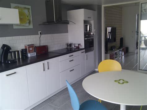 peinture laque pour cuisine beau meubles cuisine gris avec meuble de cuisine noir laqu