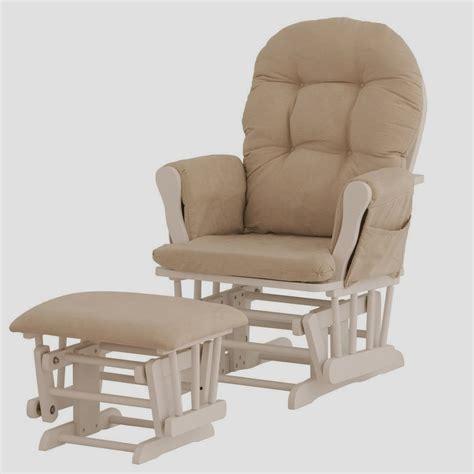 chaise à bascule allaitement fauteuil à bascule pour allaitement chaise idées de
